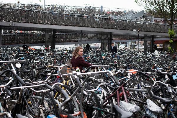 amsterdam1-articleLarge